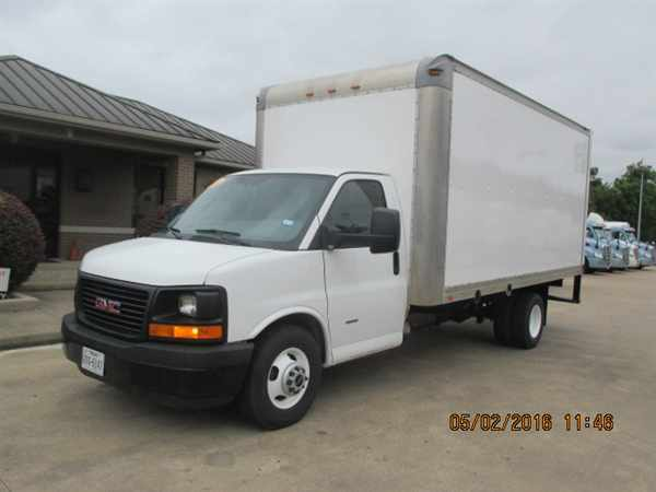 2012 Gmc Tg33903 Box Truck - Straight Truck