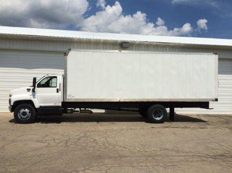 2009 Gmc 7500  Box Truck - Straight Truck