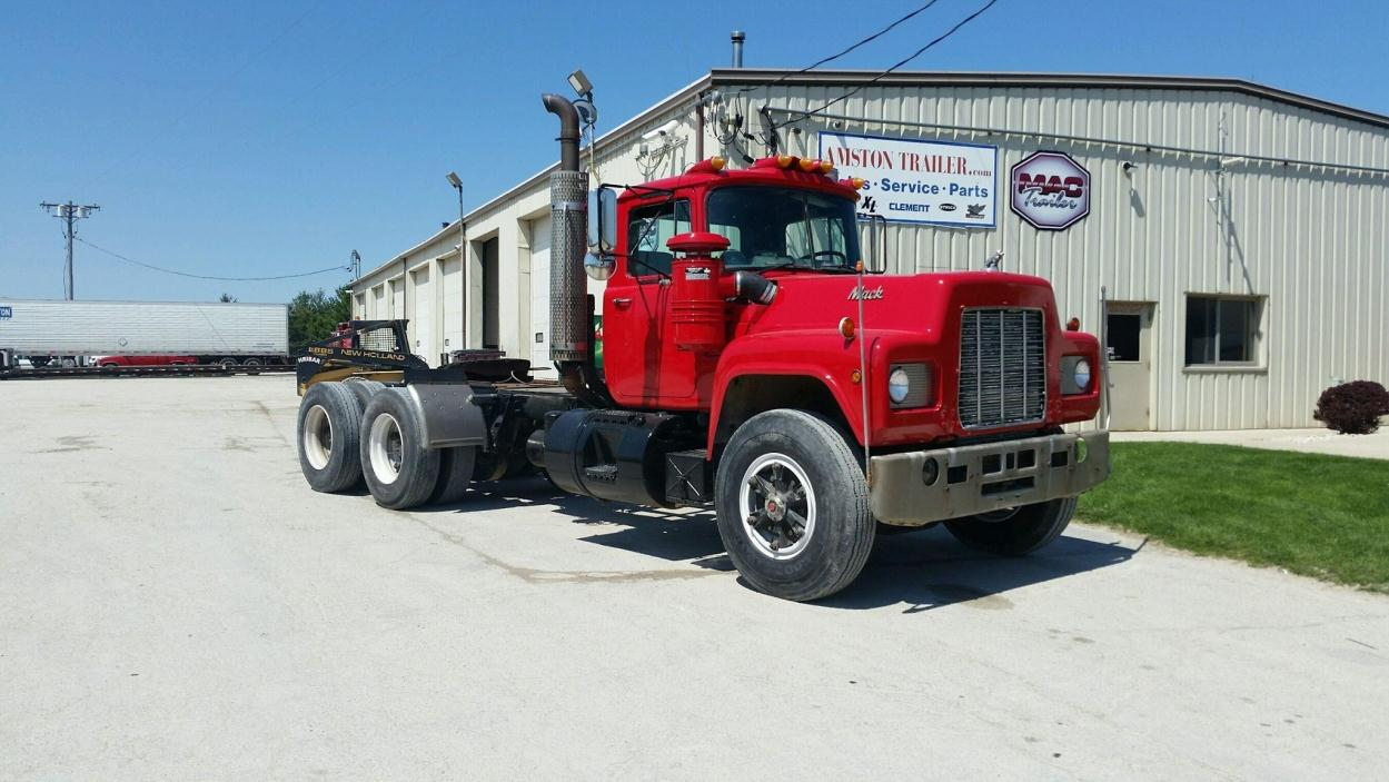 1988 Mack R688st Conventional - Day Cab