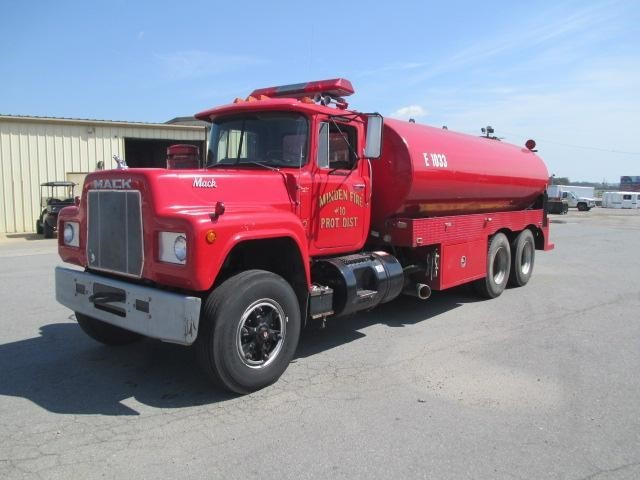1981 Mack R686st Water Truck