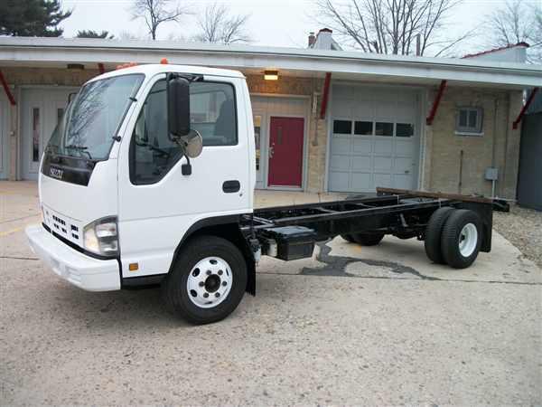 2006 Isuzu Npr Hd  Box Truck - Straight Truck