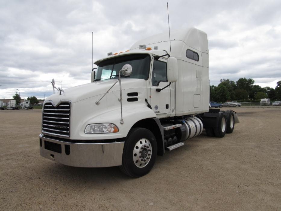 2012 Mack Cxu613 Conventional - Sleeper Truck
