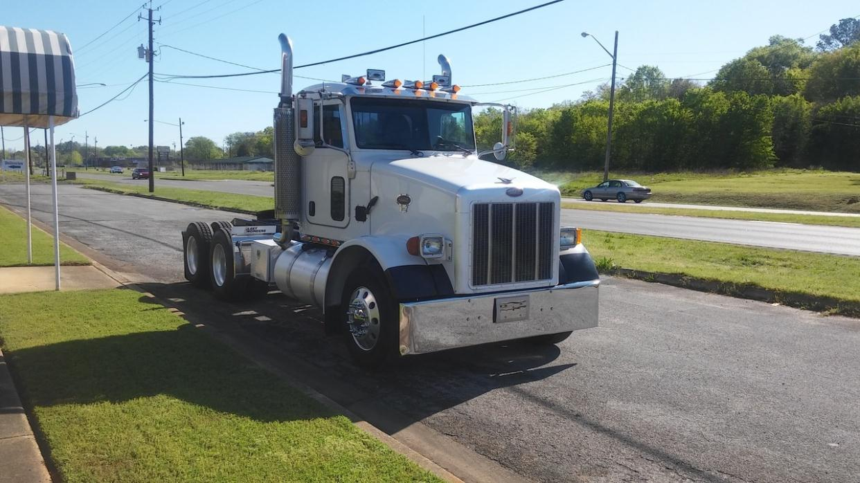 2005 Peterbilt 357 Conventional - Day Cab