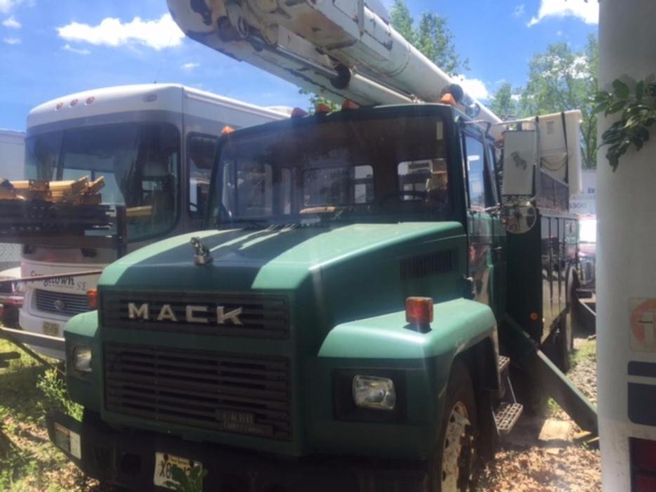 1991 Mack Midliner Cs300p  Bucket Truck - Boom Truck