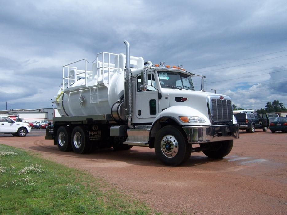 2016 Peterbilt 348 Tanker Truck