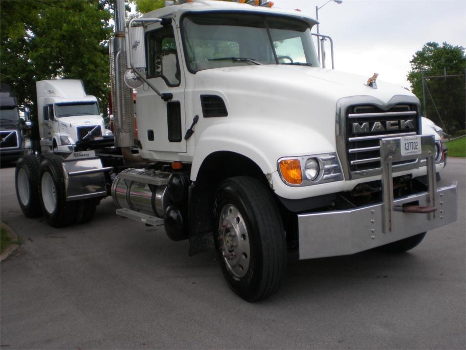 2007 Mack Granite Cv713 Conventional - Day Cab