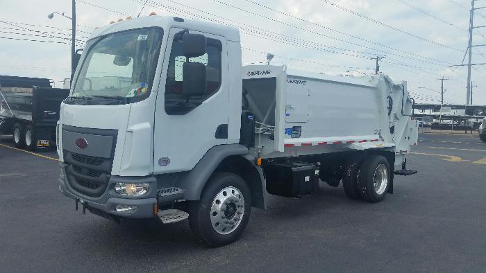2016 Peterbilt 220  Garbage Truck