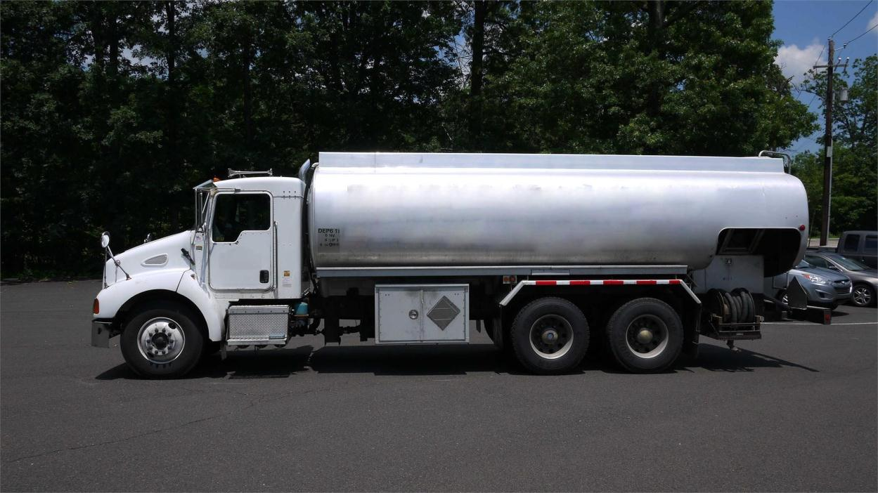 2003 Kenworth T300 Fuel Truck - Lube Truck
