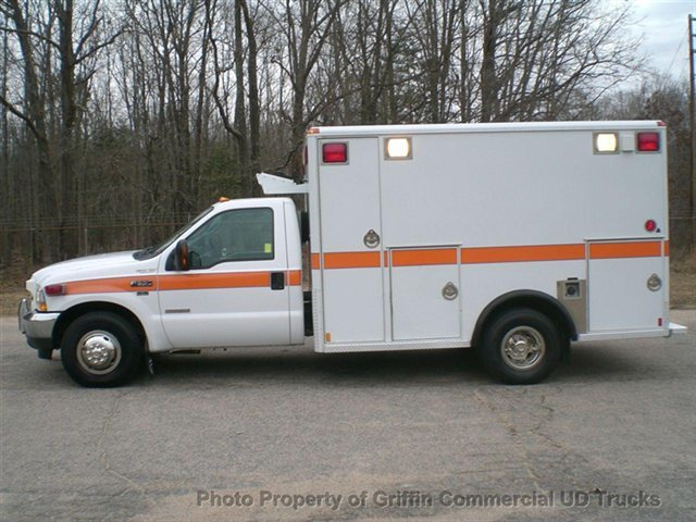 2004 Ford F350 Ambulance Just 16k Miles One Owner  Ambulance