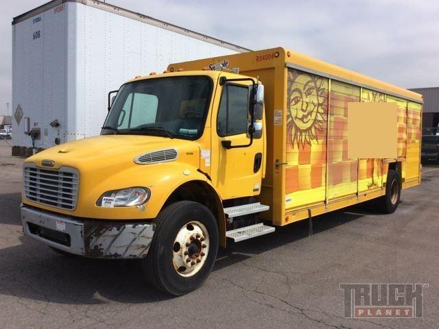2004 Freightliner Business Class M2 106 Beverage Truck