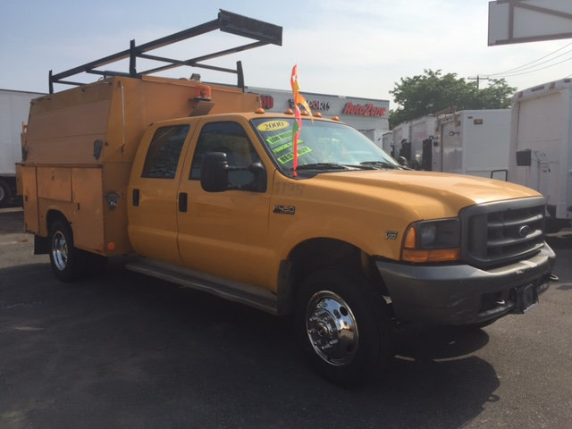 2000 Ford Super Duty F-450 Enclosed Utility Servic  Utility Truck - Service Truck