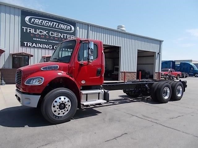 2017 Freightliner Business Class M2 106 Cab Chassis