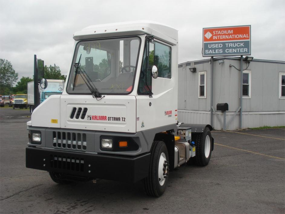 2016 Ottawa T2  Yard Spotter Truck