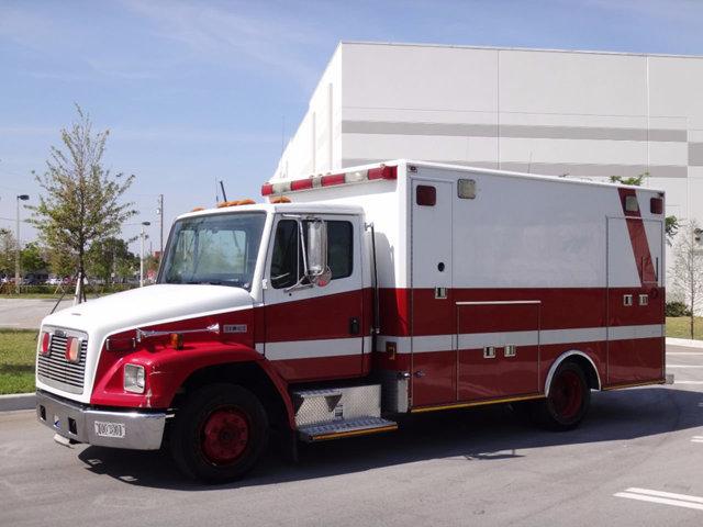 2001 Freightliner Fl60 Ambulance