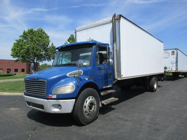 2007 Freightliner Business Class M2 106 Moving Van