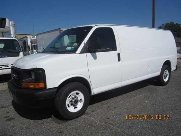 2010 Gmc Tg31705 Cargo Van