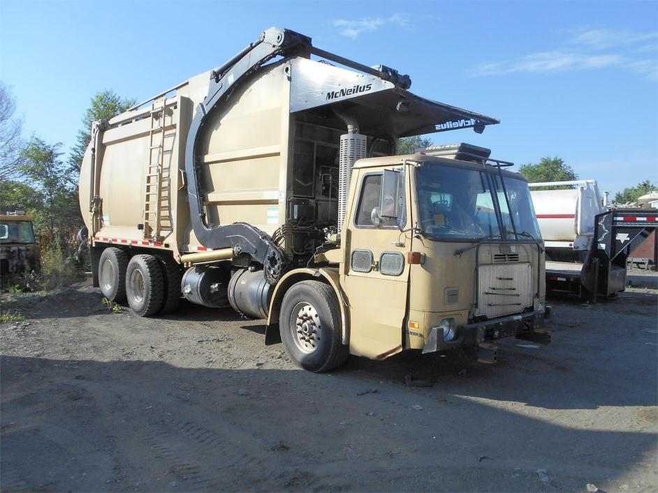 2005 Autocar Wxll64 Garbage Truck