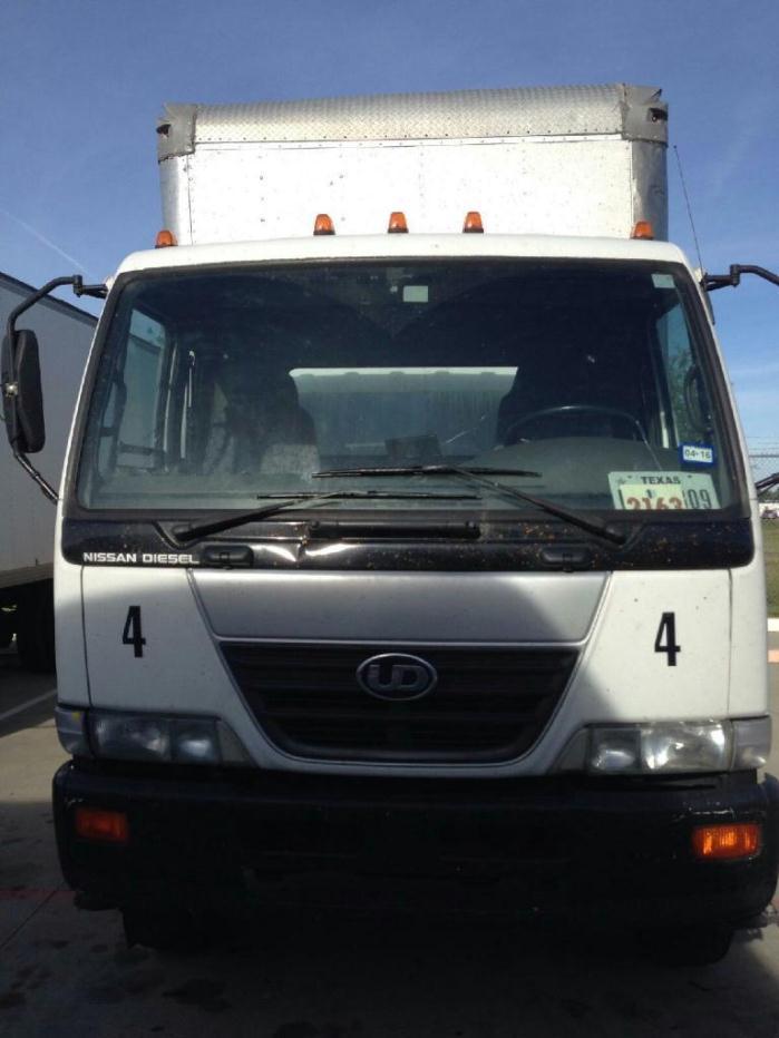 2009 Ud Trucks 2600  Box Truck - Straight Truck