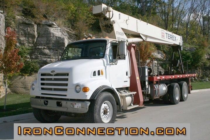 2007 Sterling Lt7501  Crane Truck