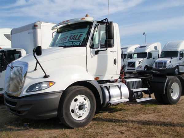 2009 International Pro La647  Conventional - Day Cab