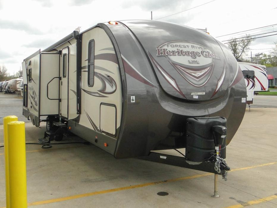 2017 Forest River Heritage Glen 272RL Rear Living