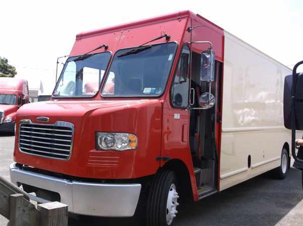 2011 Fcc Mt55 Chassis Box Truck - Straight Truck