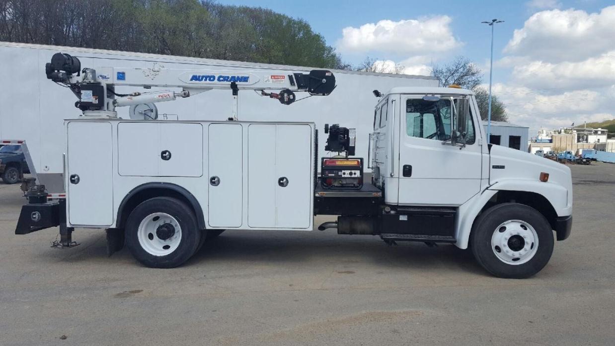 1999 Freightliner Fl70 Utility Truck - Service Truck