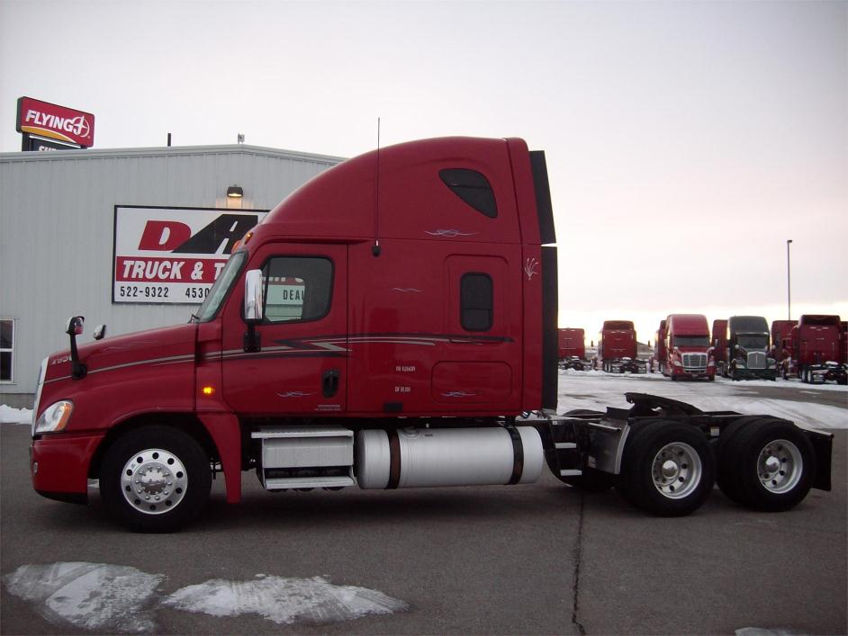 2009 Freightliner Cascadia 125 Conventional - Sleeper Truck
