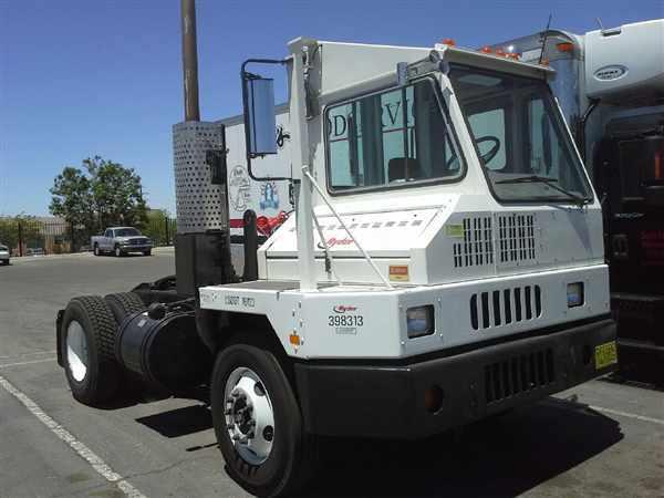 2008 Ottawa C30 Yard Spotter Truck