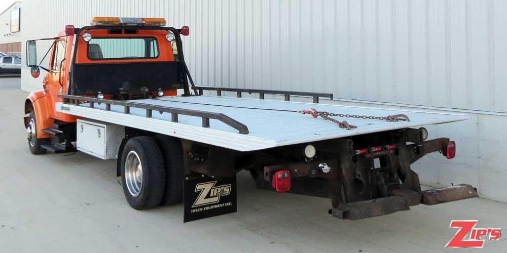 1997 International 4700 Flatbed Truck