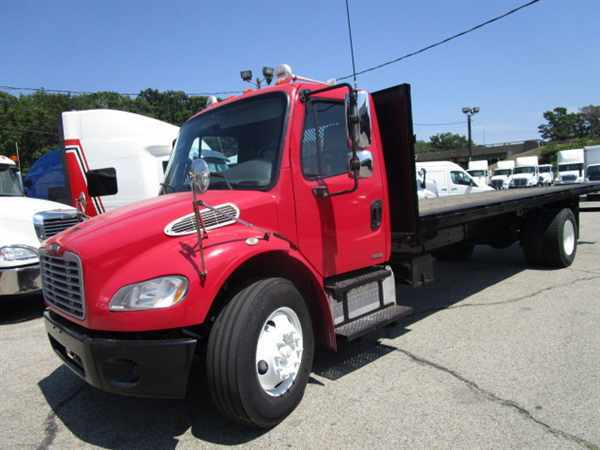 2007 Freightliner M2 106  Flatbed Truck