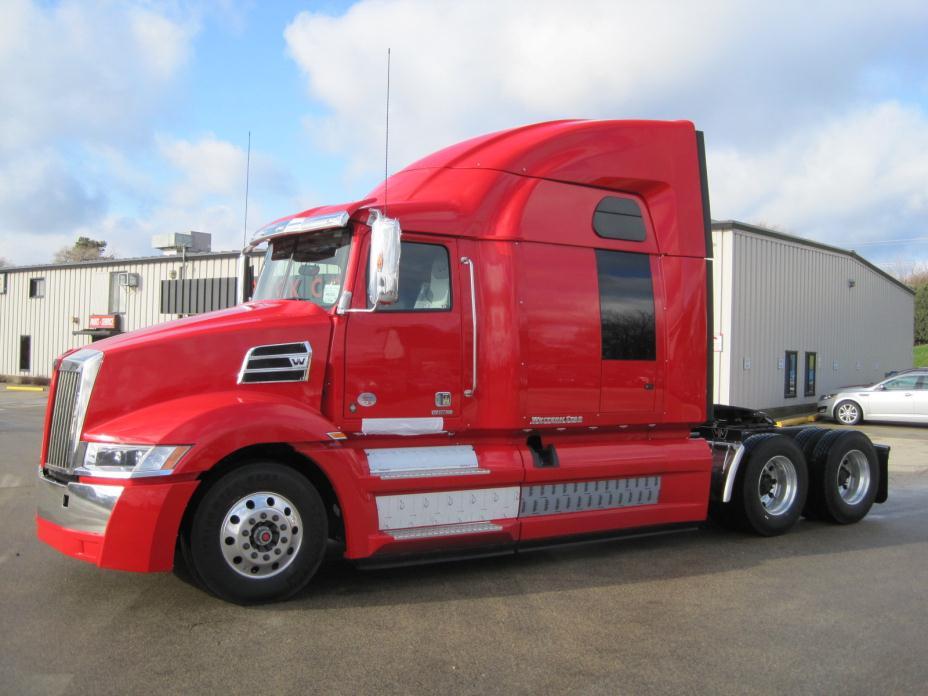 2016 Western Star 5700xe Conventional - Sleeper Truck