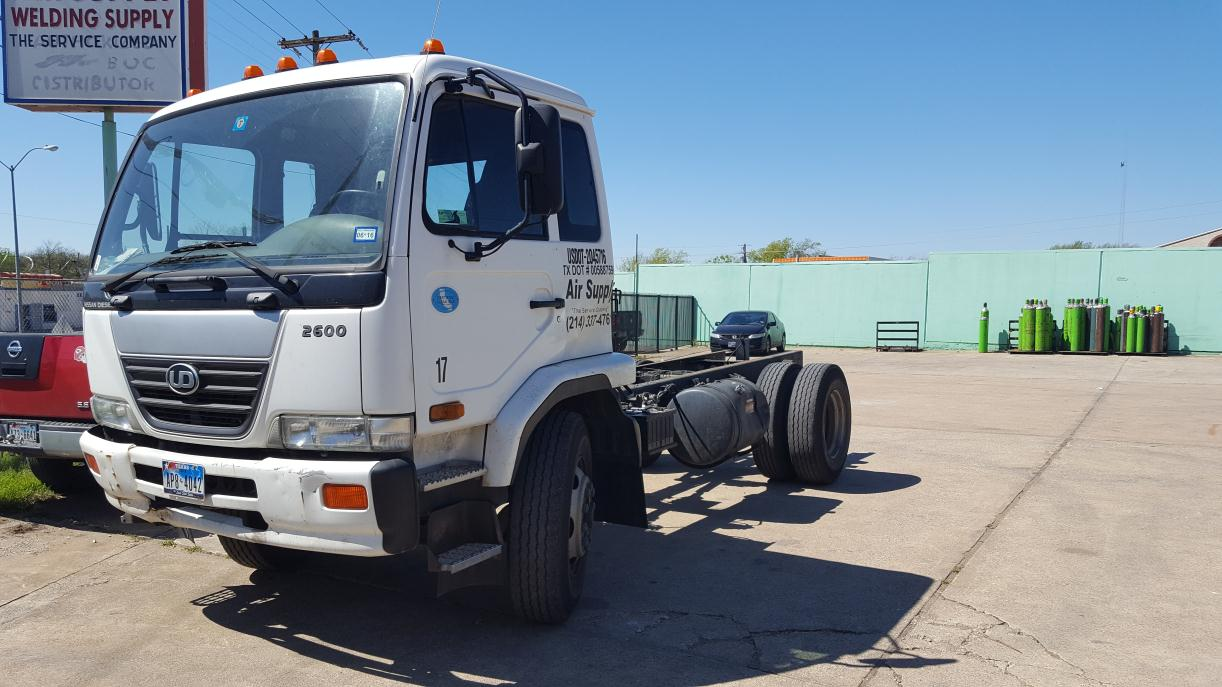 2009 Ud Trucks 2600 Cabover Truck - COE