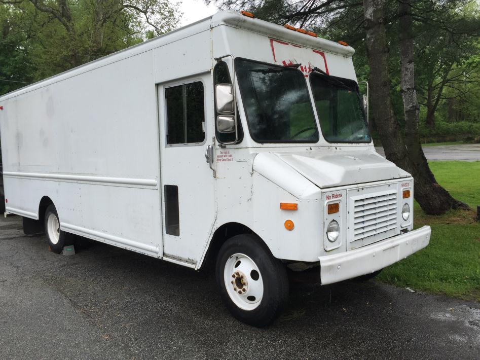 1994 Grumman Olson Step Van  Cargo Van