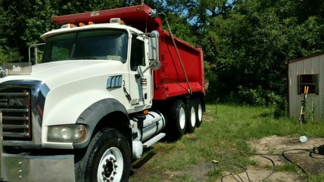 2009 Mack Cu713 Dump Truck
