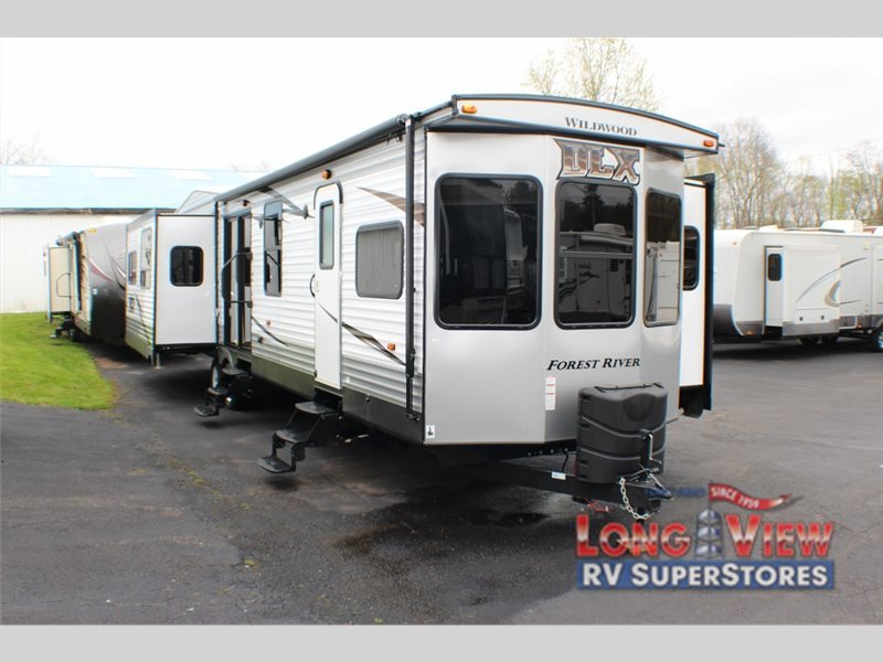 2017 Forest River Rv Wildwood DLX 400RETS
