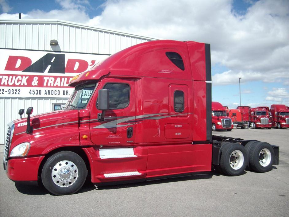 2014 Freightliner Cascadia 125 Conventional - Sleeper Truck