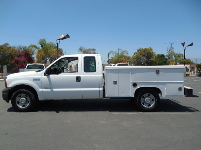 2006 Ford F350  Extended Cab