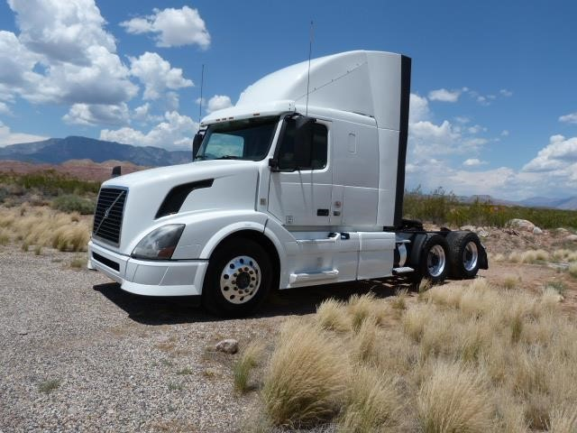 2013 Volvo Vnl64t430 Conventional - Sleeper Truck