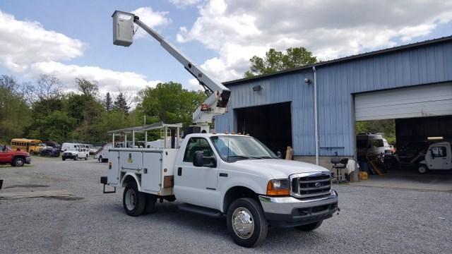 2001 Ford F450 Super Duty  Cab Chassis