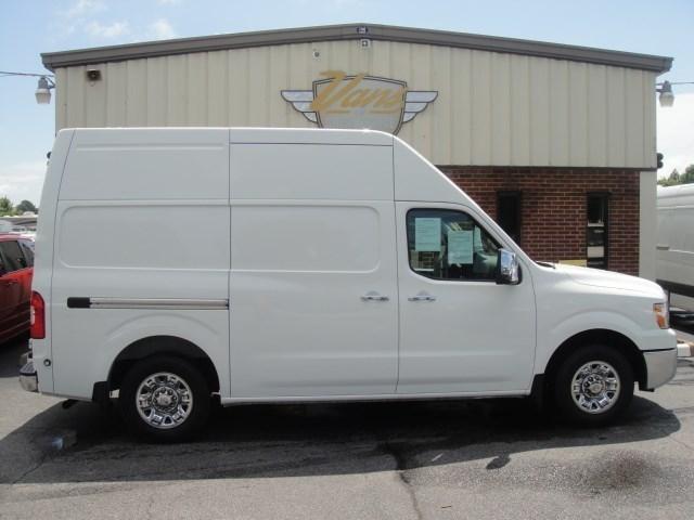 2014 Nissan Nv2500  Cargo Van