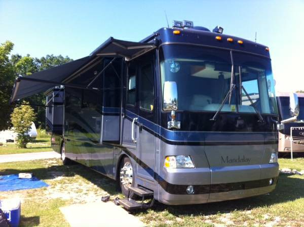 2005 Mandalay Coach 40b