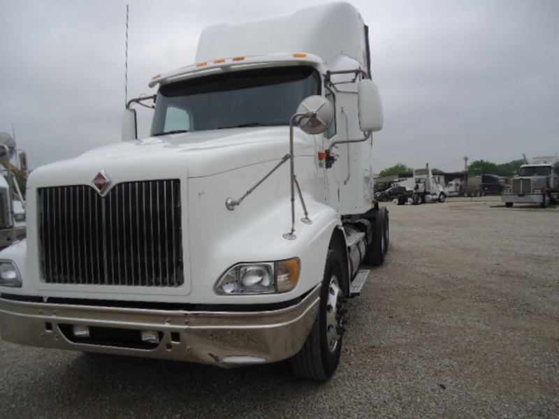 2005 International 9400i Eagle  Conventional - Sleeper Truck