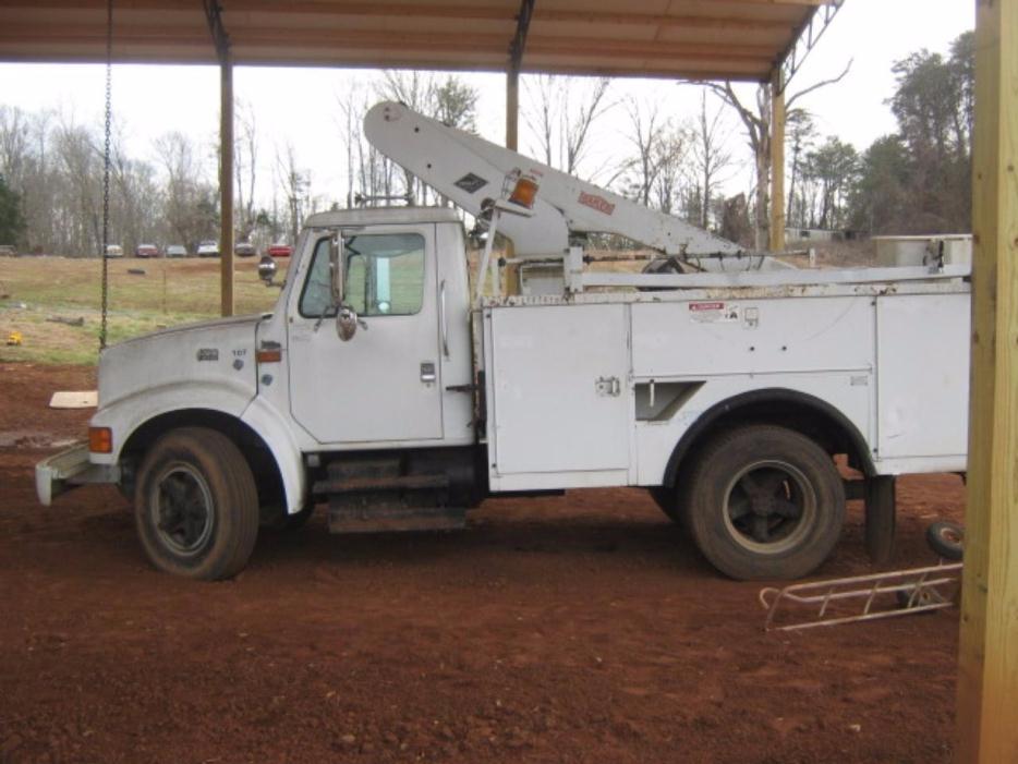 1998 International 4700  Bucket Truck - Boom Truck