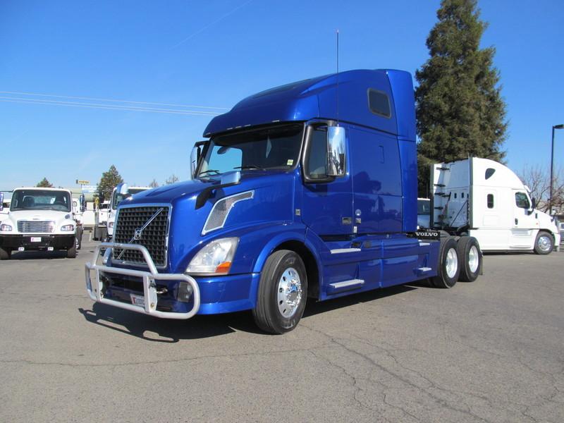 2014 Volvo Trucks Vn Conventional - Sleeper Truck