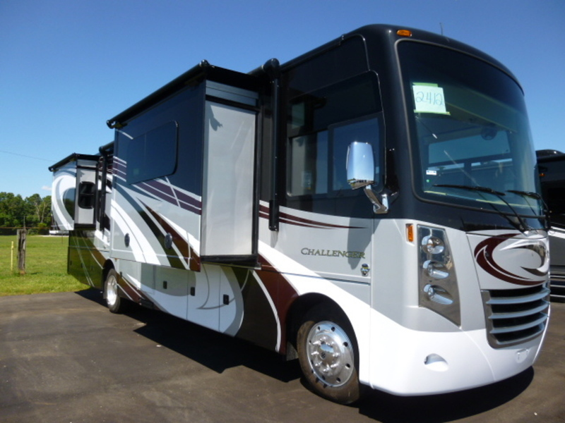 Thor motor coach challenger rvs for sale in indiana for Thor motor coach elkhart in