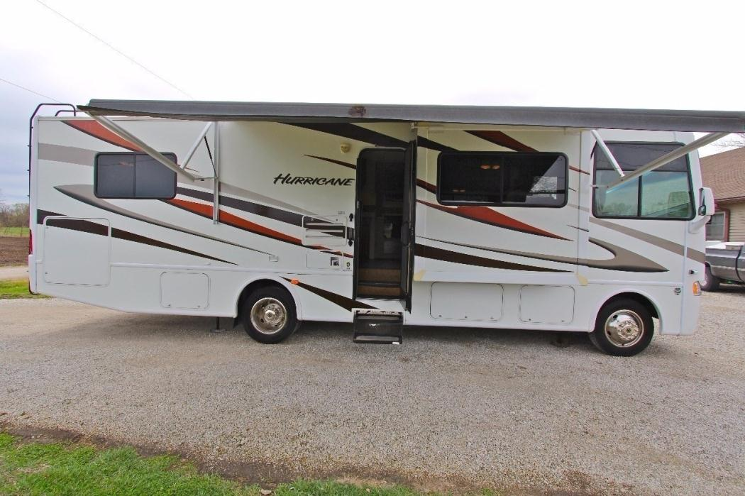 Class a for sale in kansas city missouri for Thor motor coach hurricane