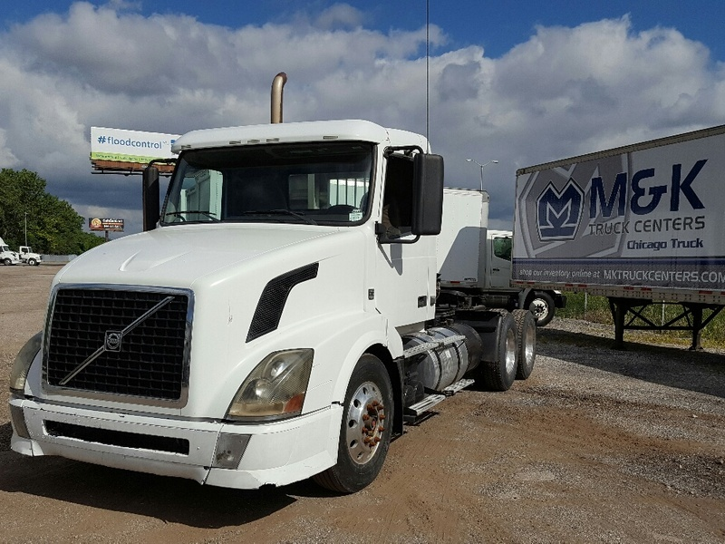 2009 Volvo Vnl300 Conventional - Day Cab
