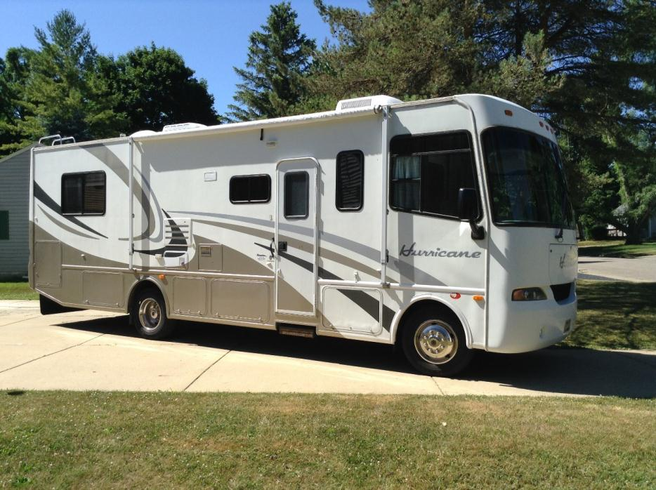 2004 Thor Motor Coach Four Winds 31F