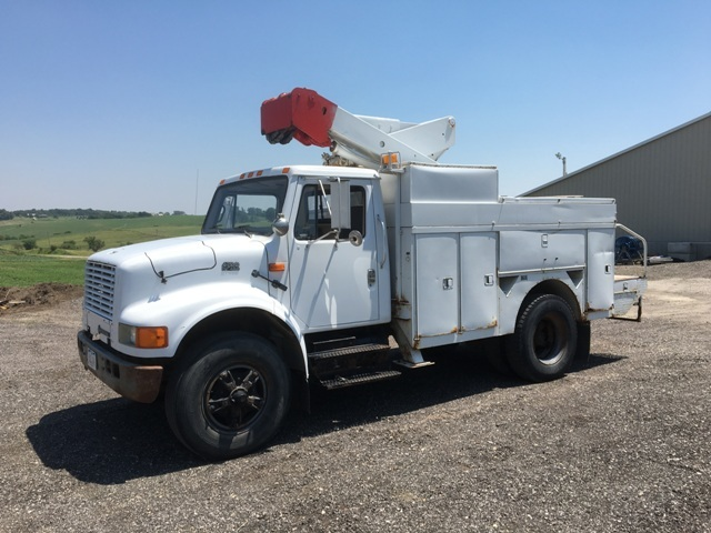 1995 International 4700 Bucket Truck - Boom Truck